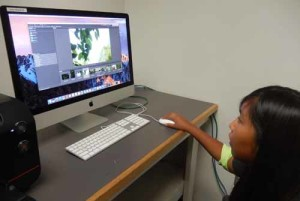 In addition to traditional crafts, students learn about photography, software and visual production.